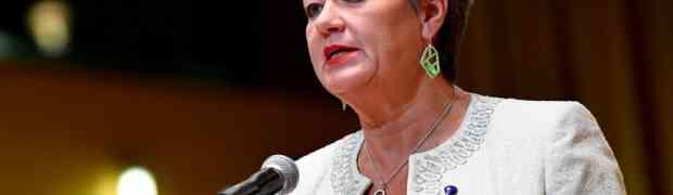 Die neue EU Kommissarion für Migration und Asyl im Interview